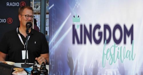 Christian Kuhn sur le stand de Radio R au Kingdom Festival